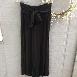 Gap high waisted black wide leg bow tie pants. Med